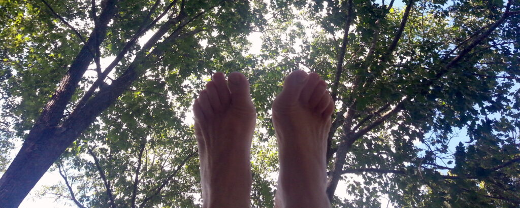 yoga-feet-in-the-trees