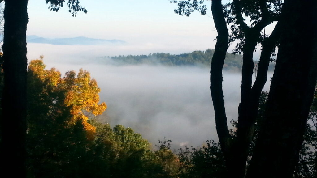 early-fall-morning-mist
